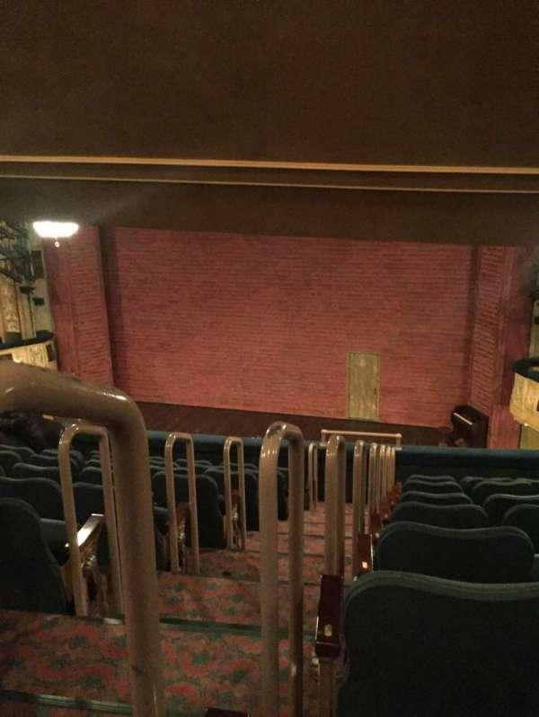 Shubert Theatre, vak: Mezzanine Right, rij: J, stoel: 2