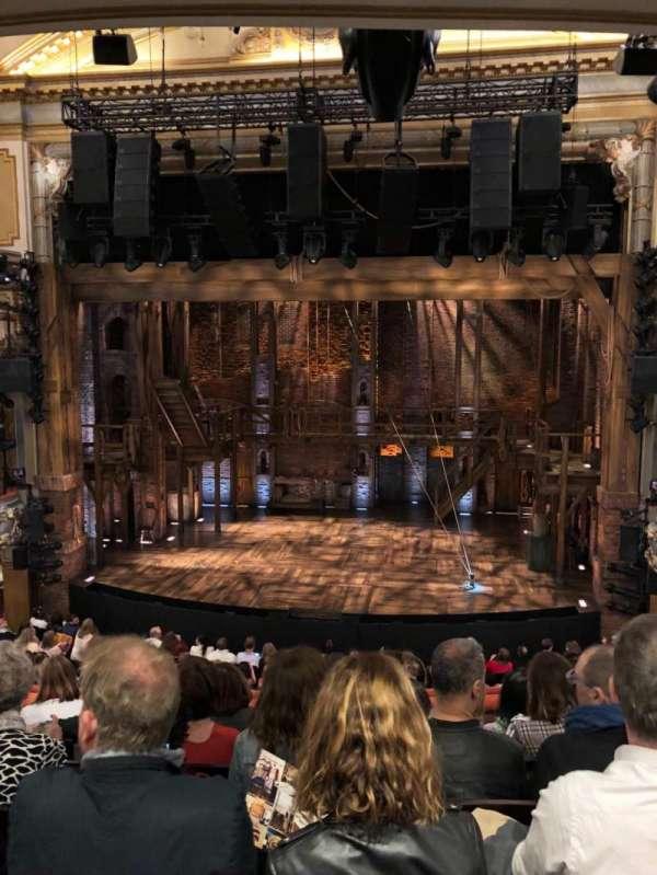 Victoria Palace Theatre, vak: Royal Circle, rij: F, stoel: 16