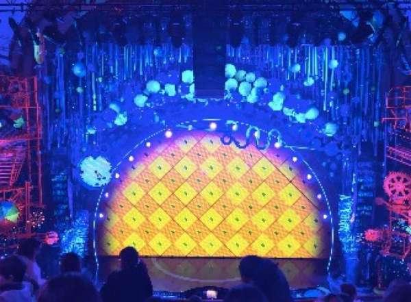 Palace Theatre (Broadway), vak: MEZZ, rij: F, stoel: 109
