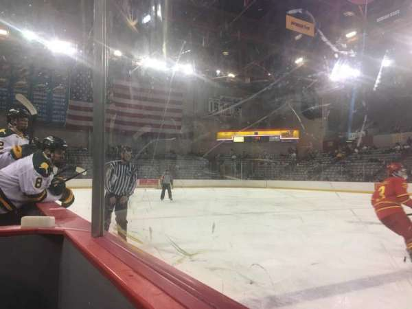Sullivan Arena, vak: 109, rij: 4, stoel: 2