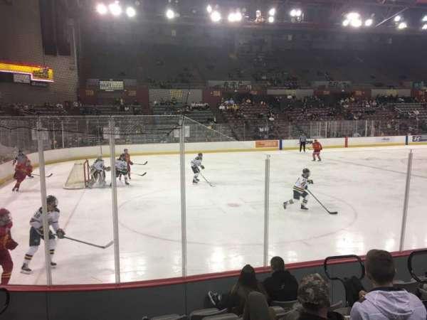Sullivan Arena, vak: 117, rij: 10, stoel: 5