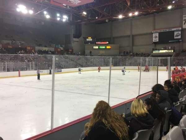Sullivan Arena, vak: 115, rij: 8, stoel: 12