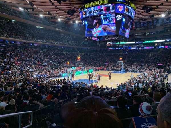 Madison Square Garden, vak: 114, rij: 10, stoel: 1