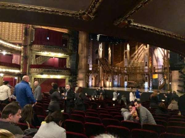 CIBC Theatre, vak: Orchestra R, rij: T, stoel: 14