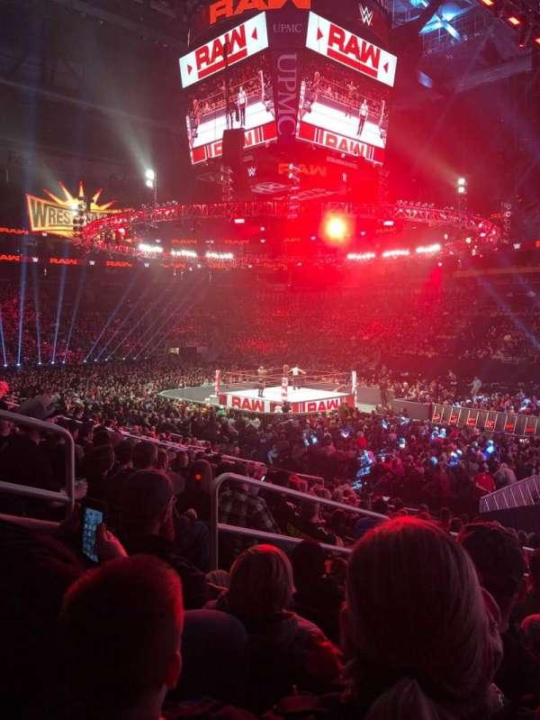 PPG Paints Arena, vak: 121, rij: Q, stoel: 13