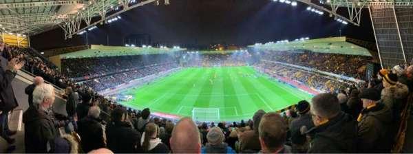 Molineux Stadium, vak: NU3, rij: K, stoel: 66
