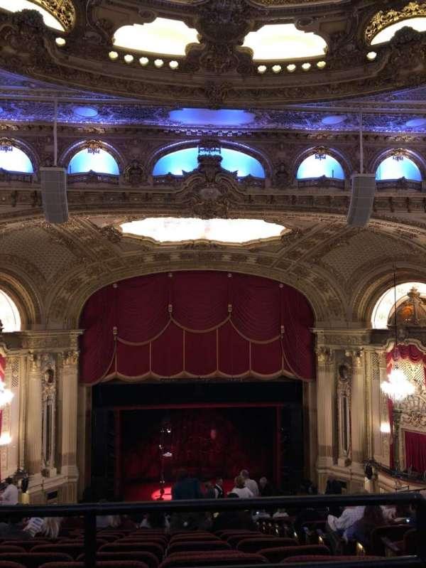 Citizens Bank Opera House, vak: Balcony Center, rij: P, stoel: 111
