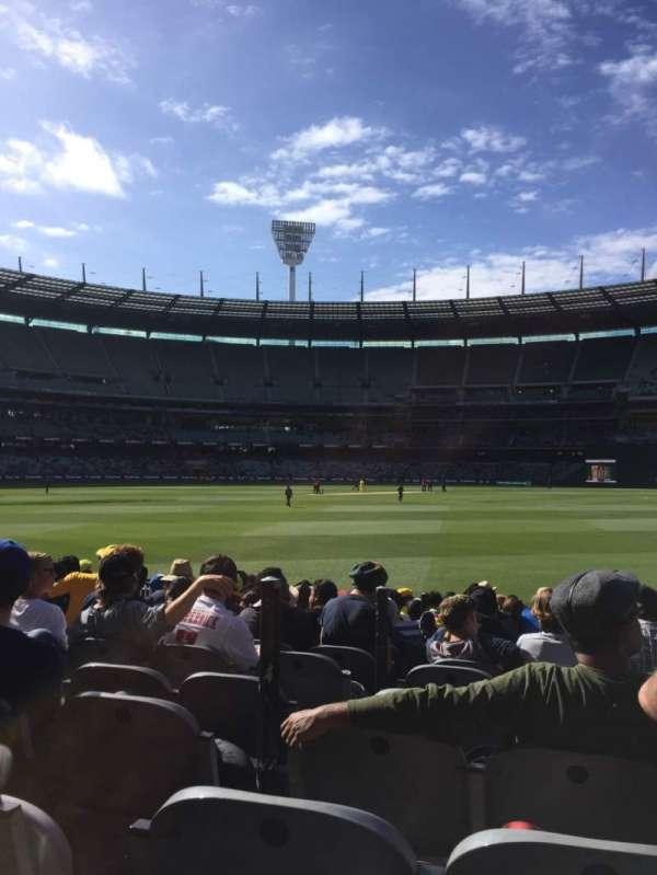 Melbourne Cricket Ground, vak: 13, rij: 12, stoel: 3