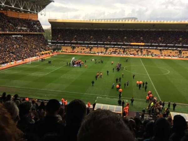 Molineux Stadium, vak: W5, rij: S, stoel: 147