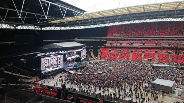 Wembley stadium , vak: 527, rij: 8, stoel: 3