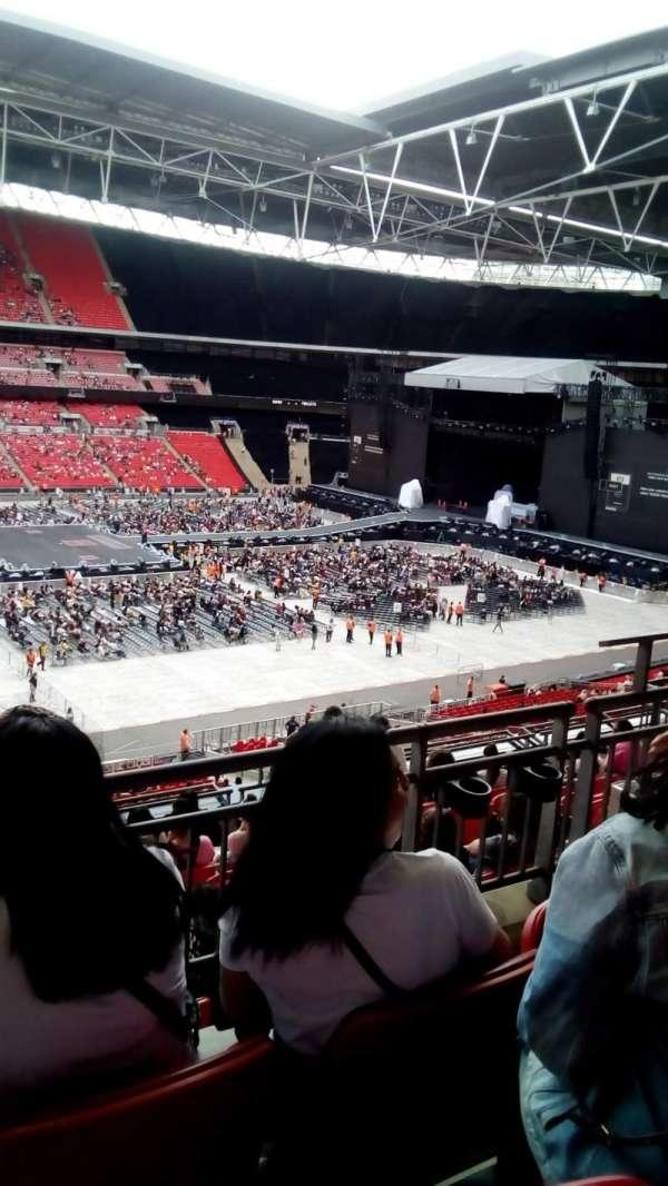 Wembley stadium, vak: 202, rij: 10, stoel: 30