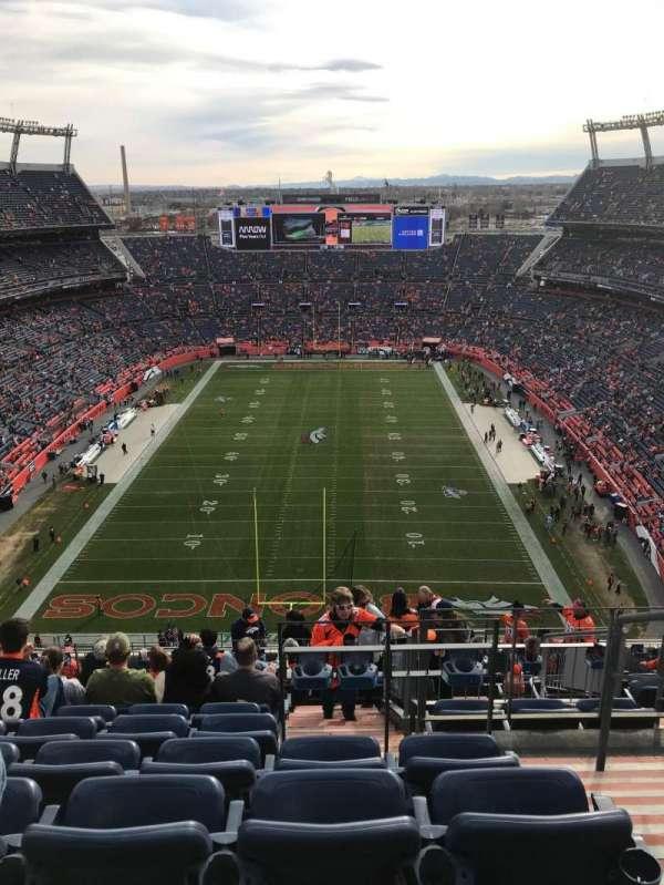 Empower Field at Mile High Stadium, vak: 521, rij: 21, stoel: 2
