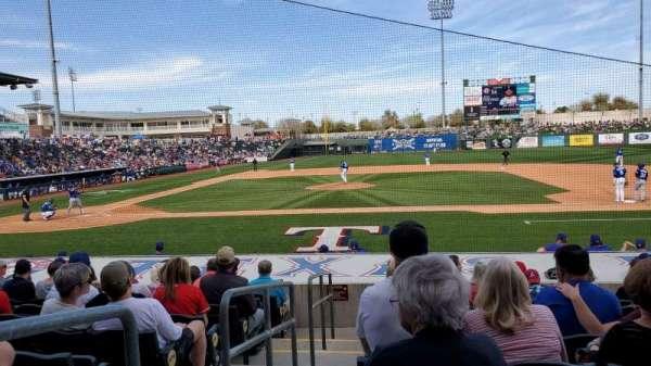 Surprise Stadium, vak: 110, rij: M, stoel: 1