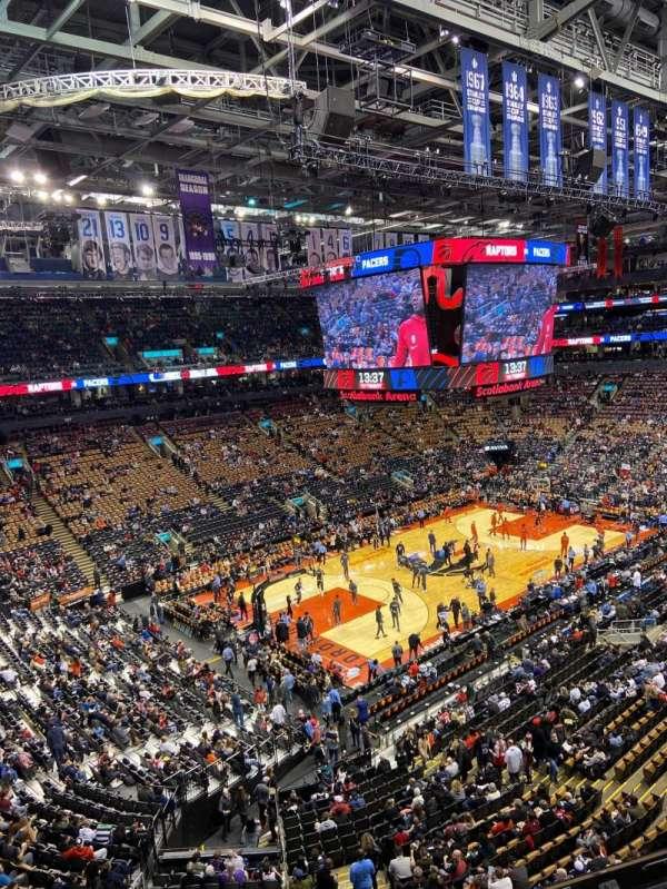 Scotiabank Arena, vak: 324, rij: 3, stoel: 11