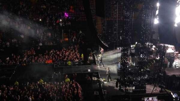 Scotiabank Arena, vak: 320, rij: 1