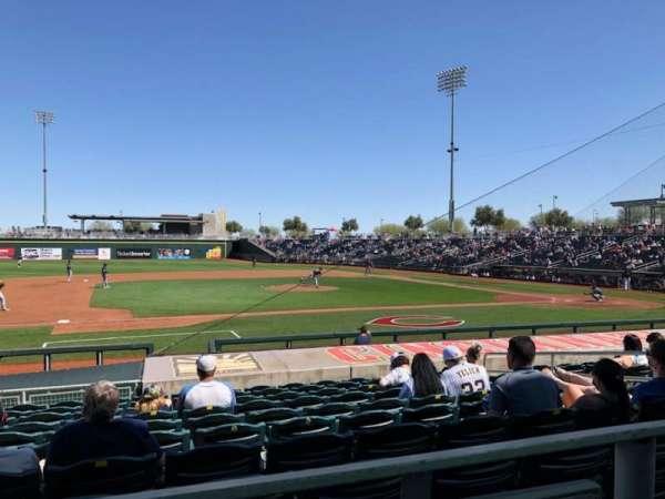 Goodyear Ballpark, vak: 107a, rij: Q, stoel: 12