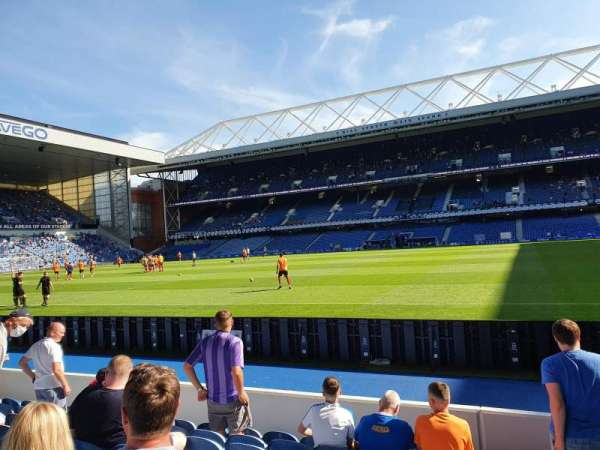 Ibrox Stadium, vak: GF2, rij: H, stoel: 69