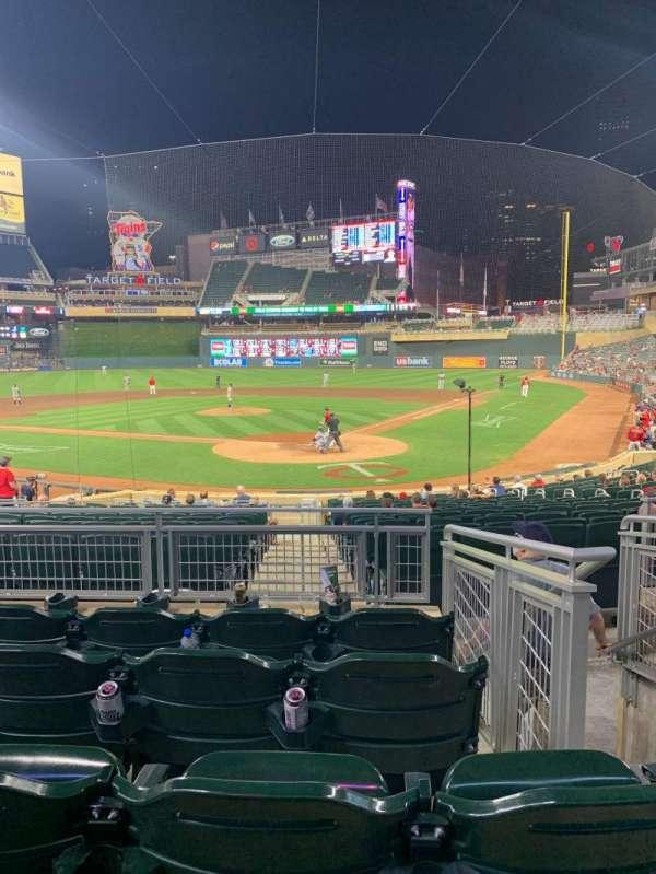 Target Field, vak: 116, rij: 5, stoel: 1