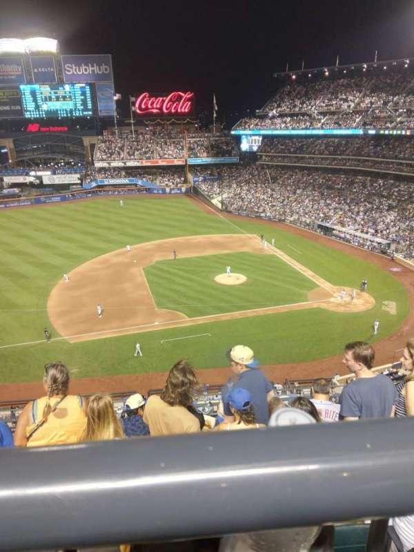 Citi Field, vak: 422, rij: WC, stoel: 5