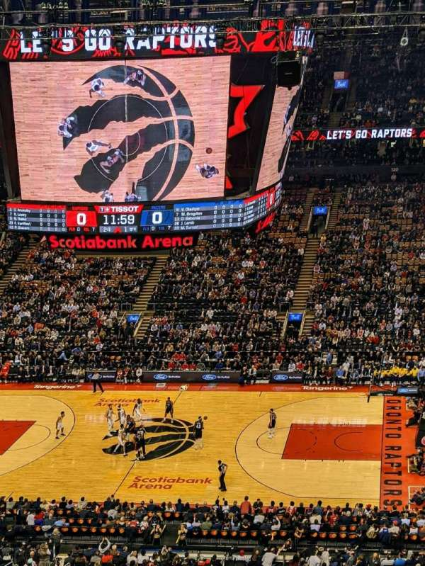 Scotiabank Arena, vak: 309, rij: 9, stoel: 17