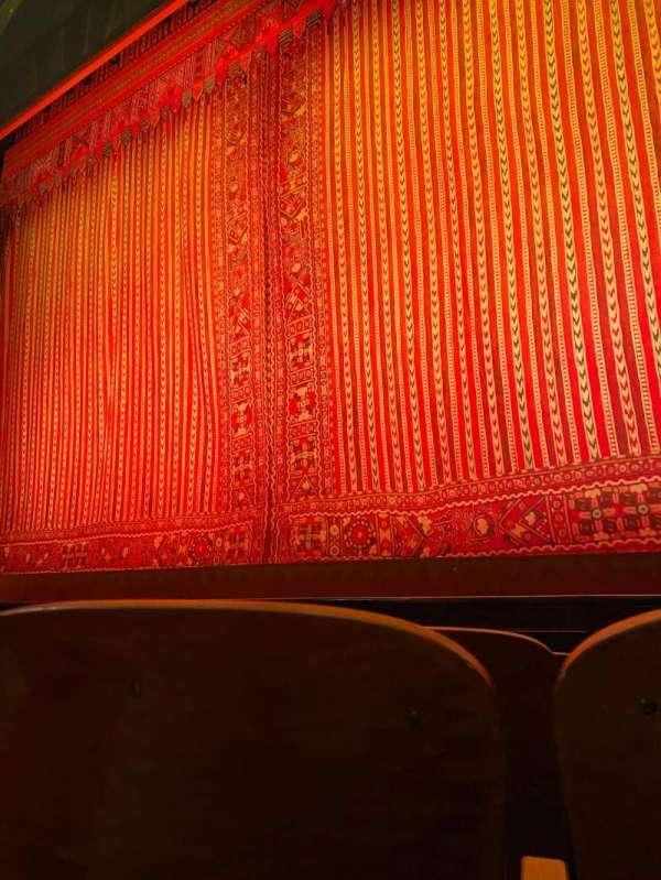 New Amsterdam Theatre, vak: Right, rij: D, stoel: 4