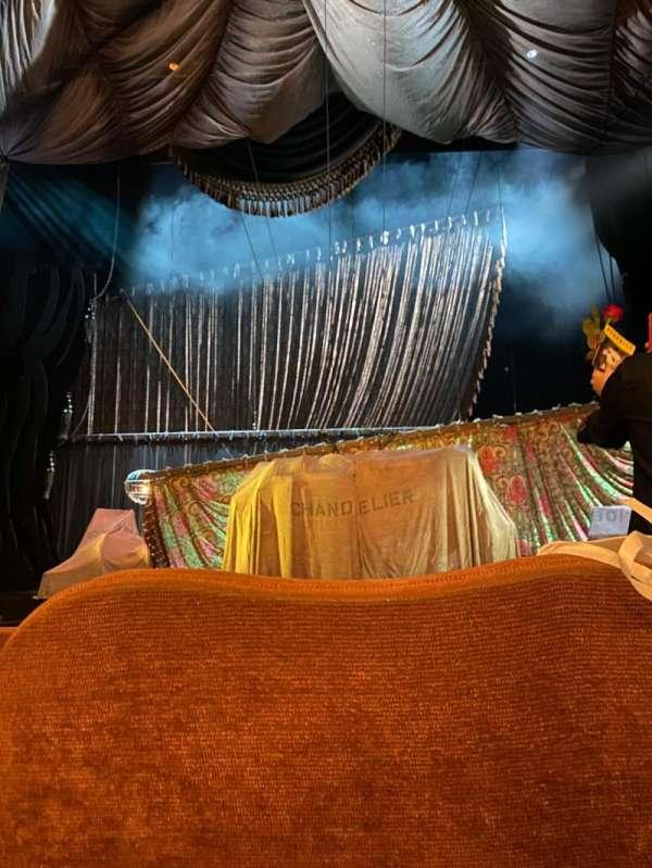 Majestic Theatre, vak: Center, rij: E, stoel: 107