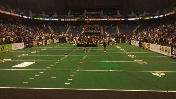 Greensboro Coliseum, vak: 117, rij: AA, stoel: 14