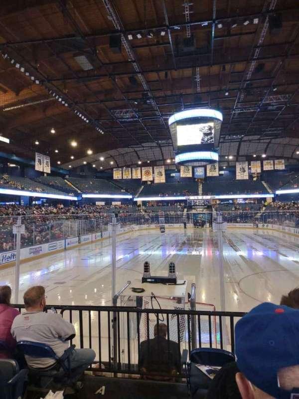 Allstate Arena, vak: 114, rij: E, stoel: 22