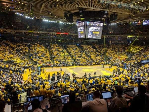 Oakland Arena, vak: C11, rij: 2, stoel: 2