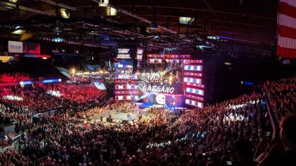 Allstate Arena, vak: 213, rij: O, stoel: 46