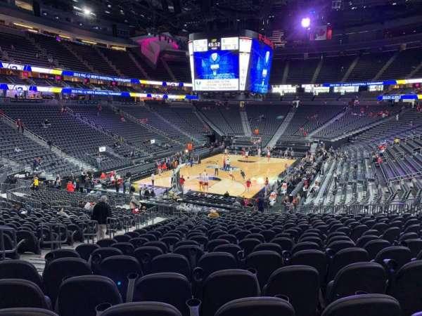 T-Mobile Arena, vak: 2, rij: W, stoel: 5