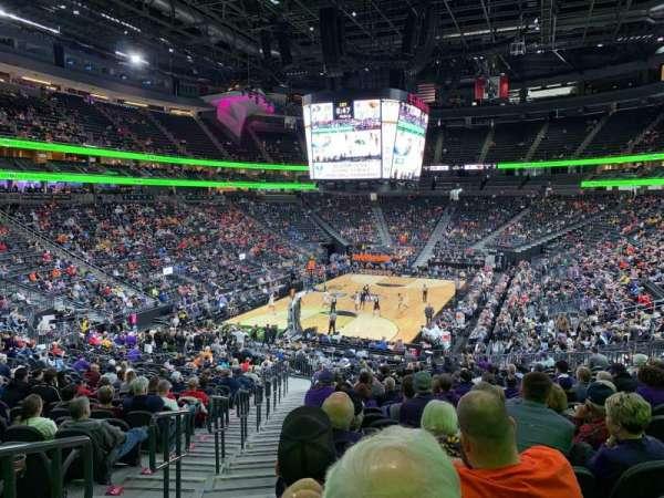 T-Mobile Arena, vak: 2, rij: X, stoel: 1