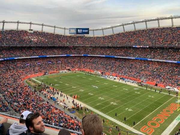 Empower Field at Mile High Stadium, vak: 502, rij: 3