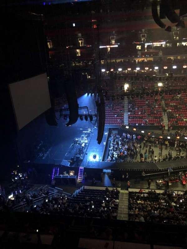 Little Caesars Arena, vak: 228, rij: 1, stoel: 10
