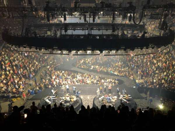 Mohegan Sun Arena, vak: 101, rij: M, stoel: 13