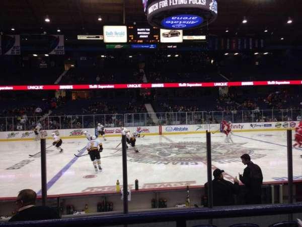 Allstate Arena, vak: 111, rij: B, stoel: 9