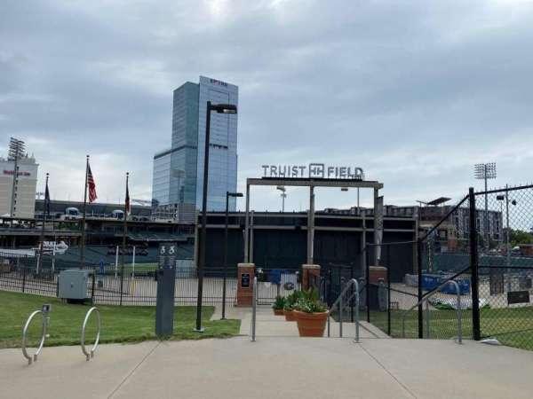 Truist Field, vak: Outfield Entrance