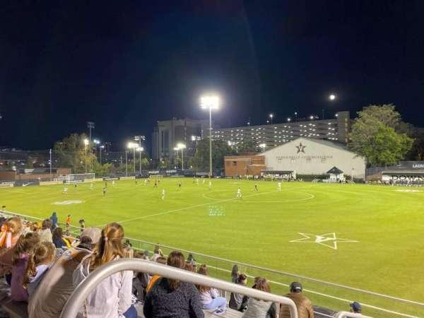 Vanderbilt Soccer & Lacrosse Complex, vak: B, rij: 13