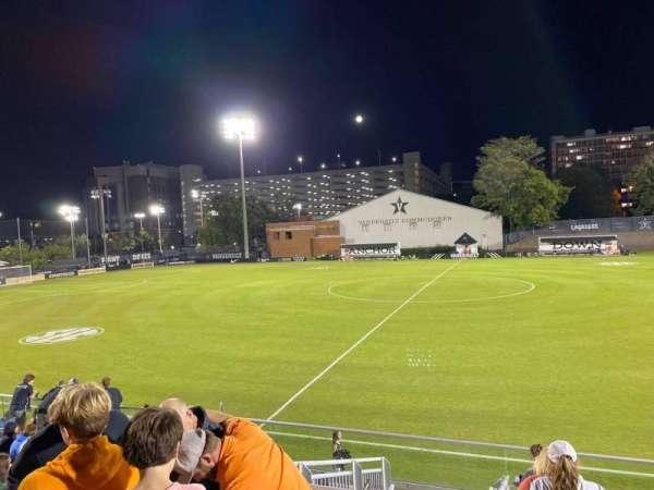 Vanderbilt Soccer & Lacrosse Complex, vak: E, rij: 14