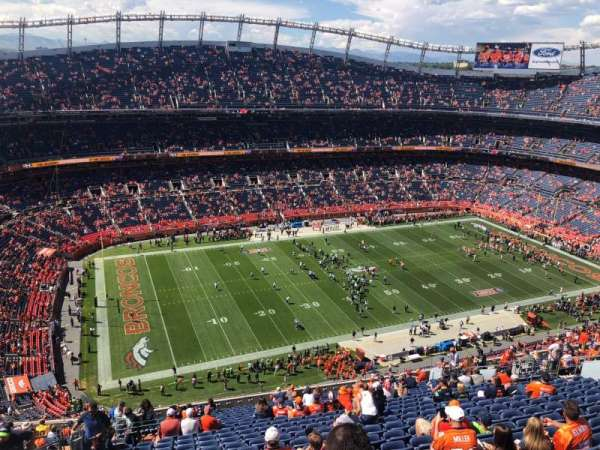Broncos Stadium at Mile High, vak: 538, rij: 23, stoel: 24