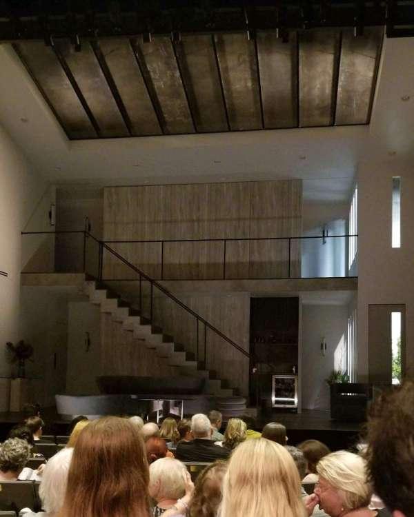 Laura Pels Theatre, vak: Orch, rij: J, stoel: 104