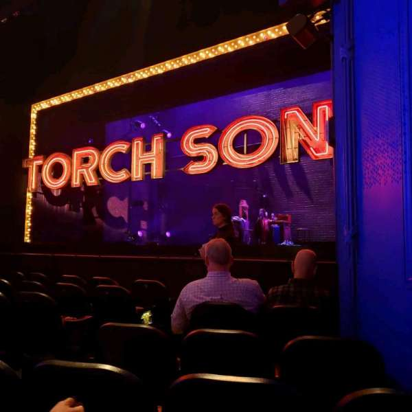Hayes Theater, vak: Orch, rij: G, stoel: 10