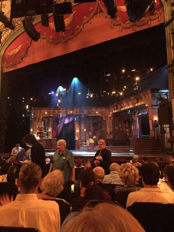 Bernard B. Jacobs Theatre, vak: Orch, rij: L, stoel: 10