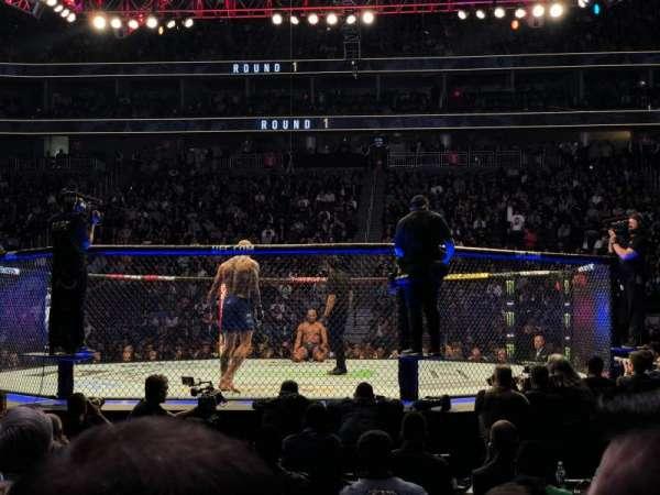 T-Mobile Arena, vak: 16, rij: CC, stoel: 3