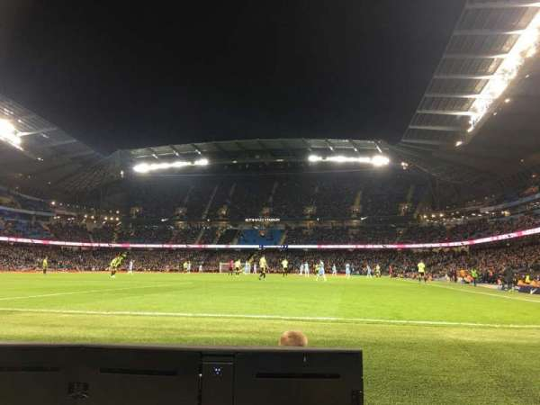 Etihad Stadium (Manchester), vak: 134, rij: 2, stoel: 943