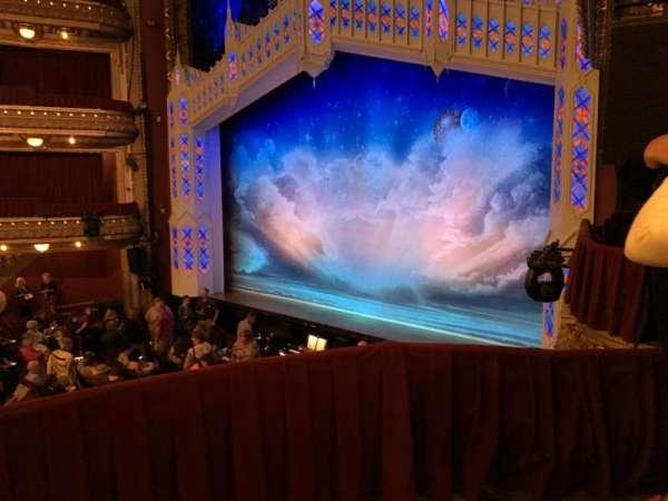 CIBC Theatre, vak: Dress Circle Box 2, rij: BX2, stoel: 214