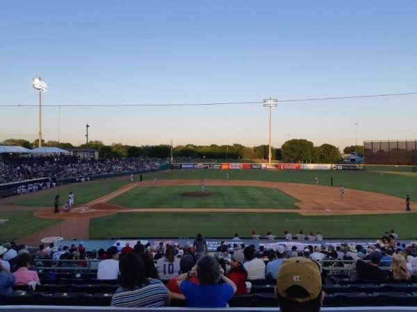 Nelson W. Wolff Municipal Stadium, vak: 208, rij: S, stoel: 6