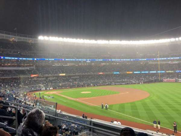 Yankee Stadium, vak: 210, rij: 13, stoel: 11