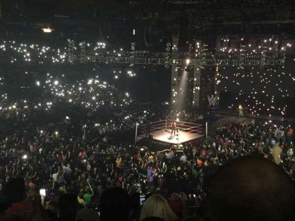 Allstate Arena, vak: 213, rij: J