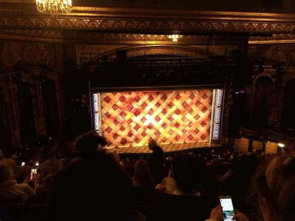 Brooks Atkinson Theatre, vak: Rear Mezzanine LC, rij: K, stoel: 123